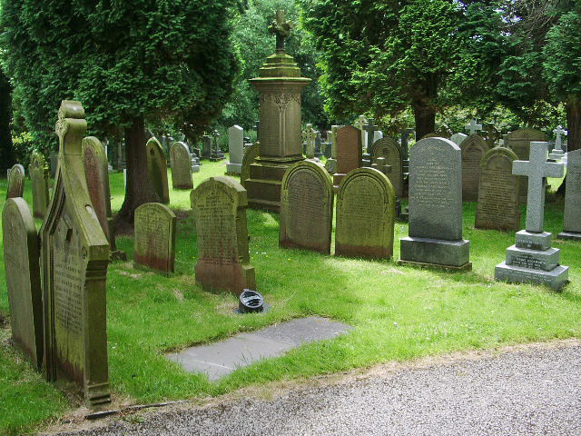 The Parish Church of Broughton St John the Baptist, Graveyard