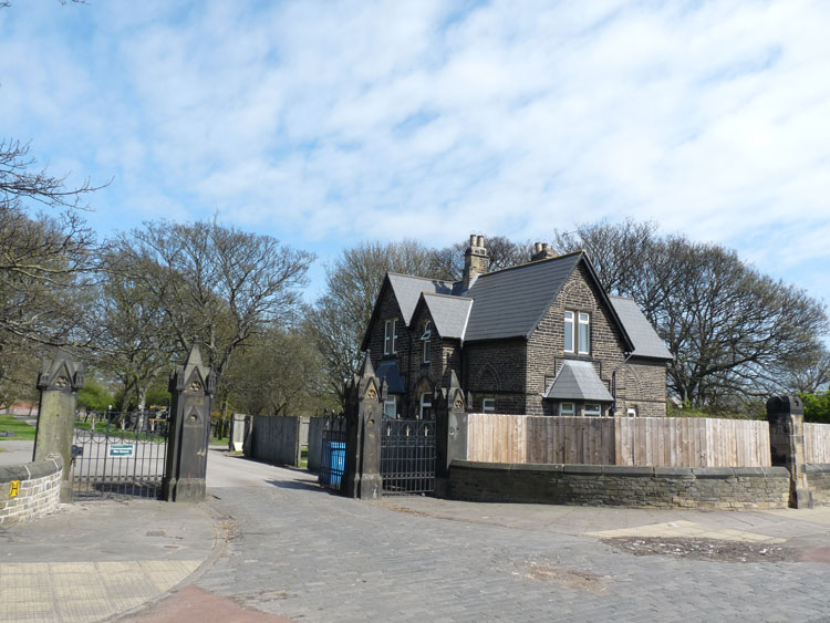 Hull (Hedon Road) Cemetery Entrance