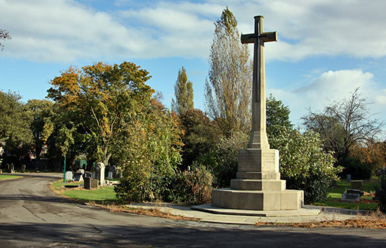 The Cross of Sacrifice - Hull Western Cemetery
