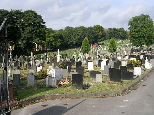 A General View of Killingbeck Cemetery (2)