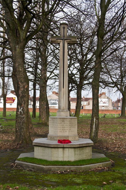 he Cross of Sacrifice in North Ormesby (St. Joseph's) RC Cemetery