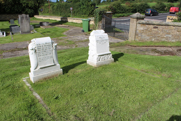 Walter Poynter's Headstone (right) beside that of his Parents, John and Louisa