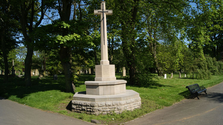 The Cross of Sacrifice in South Shields (Harton) Cemetery