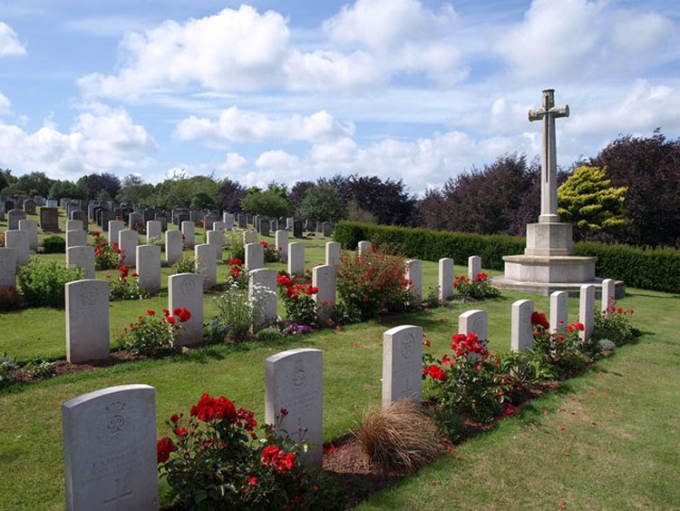War graves in Torquay Cemetery and Extension