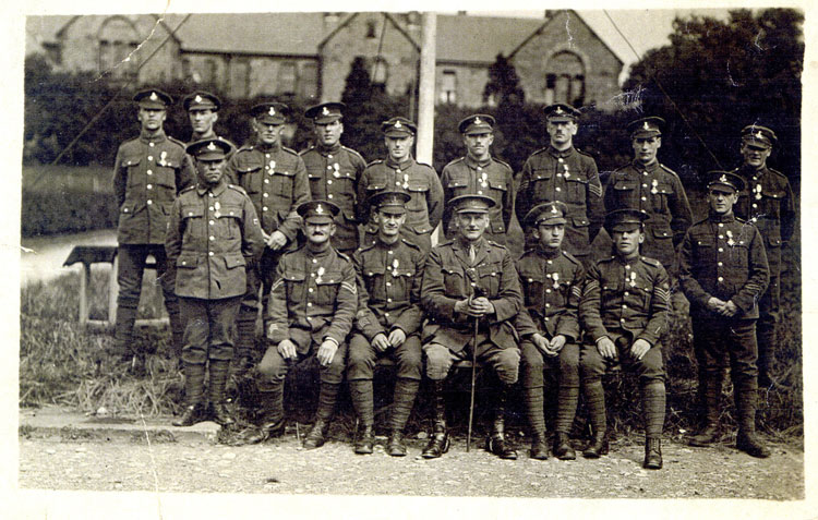 Surviving Men of the 2nd Battalion photographe din 1919.