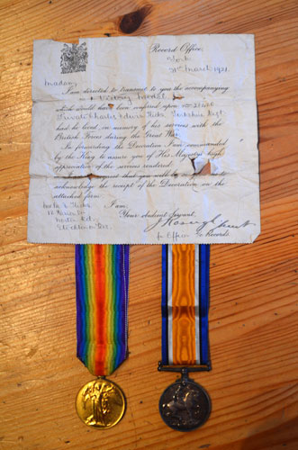 British War Medal and Victory Medal awarded to Private Hicks