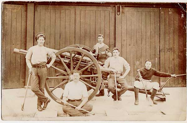 A photo of a Field Gun team, with CSM Friend seated (front)